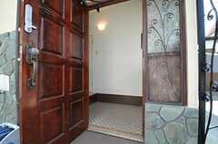 正面玄関から見た内部の様子。(2013-04-15,周辺環境,ENTRANCE,1F)