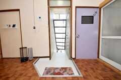 内部から見た玄関周りの様子。(2009-08-24,周辺環境,ENTRANCE,2F)