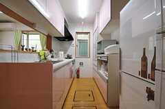 キッチンの様子。(2013-09-26,共用部,KITCHEN,1F)