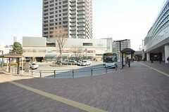 西武池袋線・石神井公園駅前の様子。バスが充実しています。(2015-02-12,共用部,ENVIRONMENT,1F)