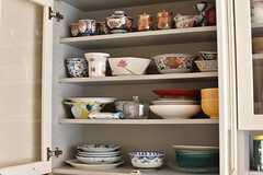 食器棚には共用の食器が収納されています。(2018-07-24,共用部,KITCHEN,1F)