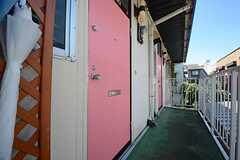 玄関ドアの様子。(201・202号室専用)(2014-08-19,周辺環境,ENTRANCE,2F)