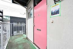 玄関ドアの様子。(203・204号室専用)(2017-03-15,周辺環境,ENTRANCE,2F)