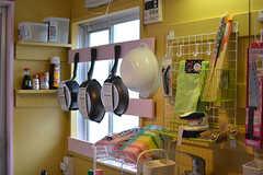キッチンツールは壁かけ収納です。(203・204号室専用)(2017-03-15,共用部,KITCHEN,2F)