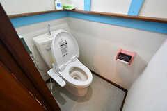 ウォシュレット付きトイレの様子。(203・204号室専用)(2017-03-15,共用部,TOILET,2F)