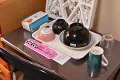 食器は部屋ごとに用意されています。(105号室)(2020-08-27,専有部,ROOM,1F)