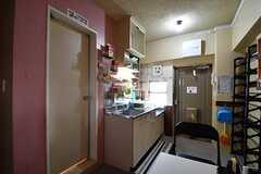ダイニングの様子2。奥がキッチンです。(2017-09-19,共用部,LIVINGROOM,6F)