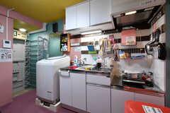 キッチンの様子。(2018-10-10,共用部,KITCHEN,1F)