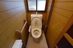トイレはウォシュレット付きです。(2014-04-23,共用部,TOILET,1F)