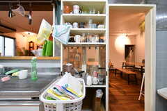 食器棚の様子。(2017-11-22,共用部,KITCHEN,1F)