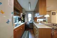 シェアハウスのキッチンの様子。(2011-07-29,共用部,KITCHEN,1F)