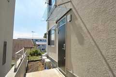 シェアハウスの正面玄関。(2012-09-12,周辺環境,ENTRANCE,1F)