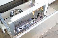 シンク下には、調理器具類が収納できます。(2012-09-12,共用部,KITCHEN,2F)
