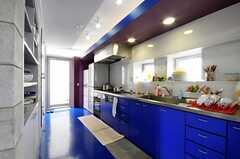 シェアハウスのキッチンの様子2。(2010-08-10,共用部,KITCHEN,2F)