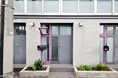 103号室の玄関。(2010-08-10,周辺環境,ENTRANCE,1F)