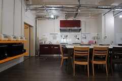 キッチンの様子。(2013-08-20,共用部,KITCHEN,1F)