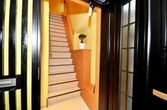 シェアハウスの正面玄関。(2009-10-02,周辺環境,ENTRANCE,1F)