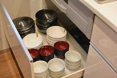 食器類は引き出しの中に収納されています。(2016-07-13,共用部,KITCHEN,1F)