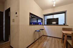 カウンターの裏手がキッチンです。(2016-07-12,共用部,LIVINGROOM,1F)