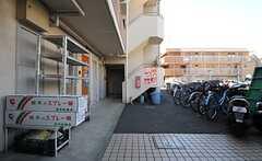 シェアハウスは4Fのワンルームです。(2013-09-17,共用部,OUTLOOK,1F)