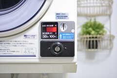 乾燥機は¥100/30分です。(2016-06-03,共用部,LAUNDRY,1F)