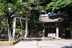 東急池上線・石川台駅周辺の様子2。雪ヶ谷八幡神社が近くにあります。(2018-05-22,共用部,ENVIRONMENT,2F)