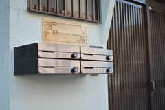 郵便受けは部屋ごとに用意されています。(2018-10-22,周辺環境,ENTRANCE,1F)