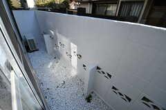 掃き出し窓の外は小さなスペースがあります。(2018-10-22,共用部,OTHER,1F)