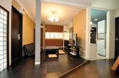 シェアハウスのラウンジの様子。(2010-03-26,共用部,LIVINGROOM,1F)