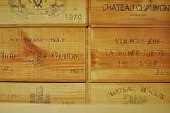 ワインケースのような壁紙。(2012-03-27,共用部,OTHER,1F)