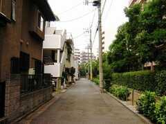 京浜急行線雑色駅からシェアハウスへ向かう道の様子2。(2007-07-29,共用部,ENVIRONMENT,1F)