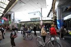 京浜急行線雑色駅の様子。(2010-04-21,共用部,ENVIRONMENT,1F)
