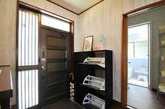 靴箱は部屋ごとに使えるスペースが決まっています。(2013-06-04,周辺環境,ENTRANCE,1F)