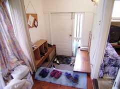 玄関の様子。(2006-08-23,周辺環境,ENTRANCE,1F)