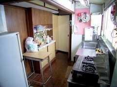 キッチンの様子。(2006-08-23,共用部,KITCHEN,1F)