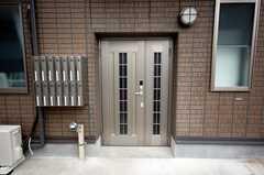 正面玄関の様子。(2008-05-27,周辺環境,ENTRANCE,1F)
