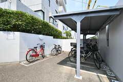 自転車用の駐輪場の様子。(2018-08-06,共用部,GARAGE,1F)
