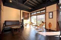 シェアハウスのラウンジの様子。まさにBALI Style。(2009-11-06,共用部,LIVINGROOM,1F)