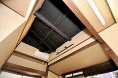 専有部の様子2。天井は梁が剥き出し。(103号室)(2009-11-06,専有部,ROOM,1F)