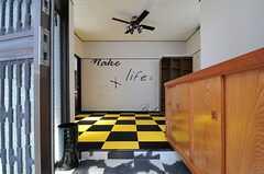 正面玄関から見た内部の様子。(2013-05-06,周辺環境,ENTRANCE,1F)