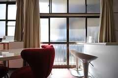 掃き出し窓の様子。(2013-05-06,共用部,LIVINGROOM,1F)