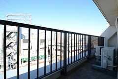 ベランダの様子。504号室と共用です。(503号室)(2012-12-10,専有部,ROOM,5F)