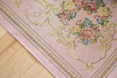 リビングの絨毯は花柄です。(2018-05-01,共用部,LIVINGROOM,13F)