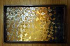 トイレのドアには可愛らしいガラスがはめ込まれています。(2010-11-16,共用部,OTHER,1F)
