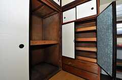 収納の様子。(202号室)(2010-11-16,専有部,ROOM,2F)