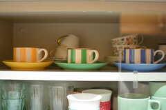 食器棚に並んだティーカップがかわいいです。(2017-03-24,共用部,KITCHEN,1F)