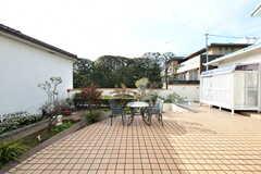 庭の様子2。もう一世帯の入居者さんも使用するスペースです。(2017-03-24,共用部,OTHER,1F)