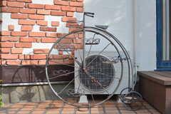 昔の自転車を模したオブジェ。(2017-03-24,共用部,OTHER,1F)