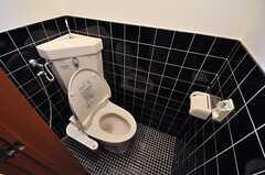 トイレの様子。ウォシュレット付きです。(2014-06-26,共用部,TOILET,1F)
