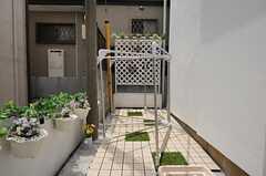 布団干しの様子。(2012-05-21,共用部,OTHER,1F)